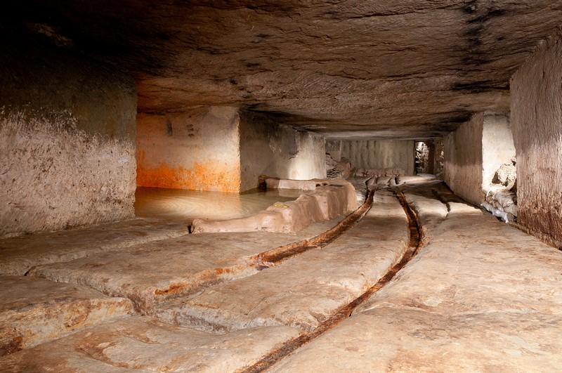 Lighting Underground Spaces With A Flashgun Thetimechamber